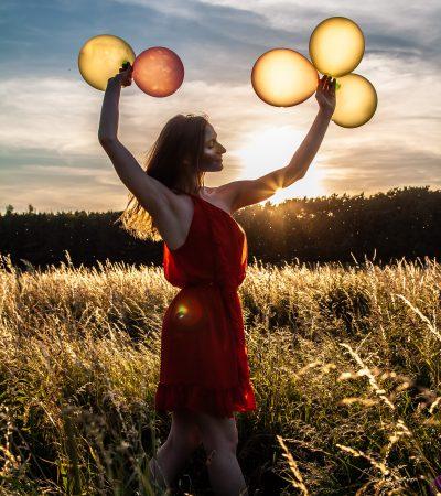 Das Mohnblumenmädchen. Farben. Luftballons. Erpetal. Portrait