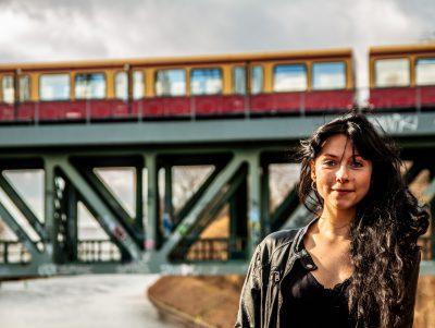 Brückenportrait. Model: Sonja